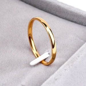 NWOT Gold Stainless Steel Wedding Band Ring